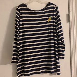 Old Navy top with embroidered bird. Very cute!